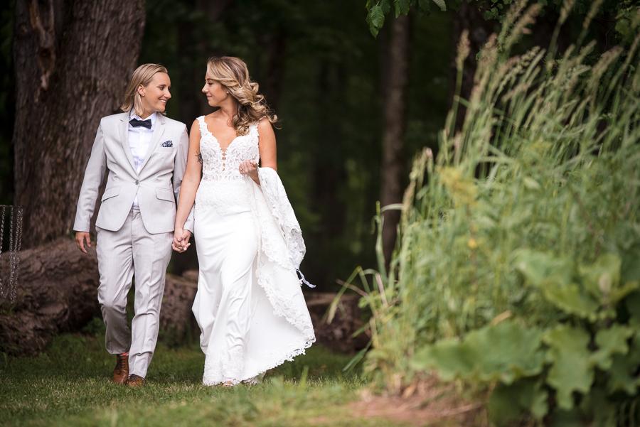 Wedding Candid Photographer Gilbertsville Farmhouse